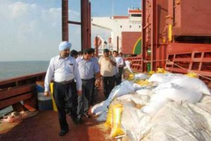 Wheat packing starts again at Kochi port
