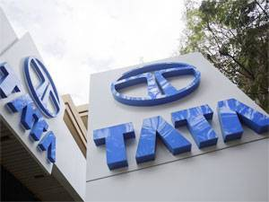 Tata Motors announces association with Paytm and CEAT