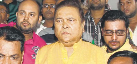 Madan Mitra leaving SSKM in Kolkata.