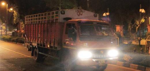 SC imposes green levy on trucks entering Delhi