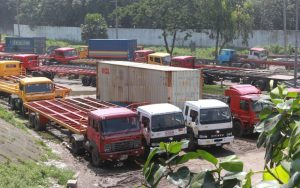 Trailer workers continue strike, disrupt work in Chittagong port