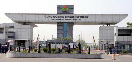 Truckers' dispute hits refinery