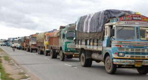 Truck freight rates fall nearly 3% in Aug on weak cargo flow