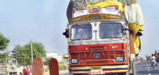 Overloaded vehicles on Pune-Solapur highway banned