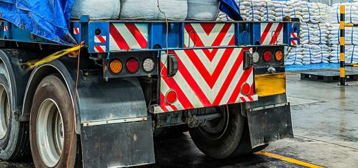 Thane traffic cops take safety to trucks, buses, stick over 1,000 reflectors