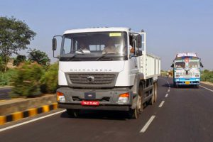 India makes speed governors mandatory for Commercial Vehicles