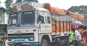 UP govt tightens rule on overloaded vehicles