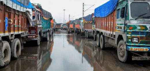 Transport Associations spar over truck strike