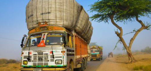 Indian truckers end strike after government deal