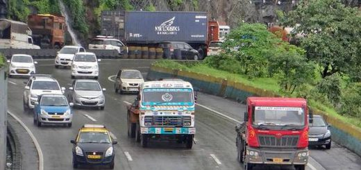 NHAI wants to stop Heavy Vehicles on damaged flyover