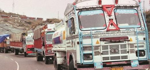 Centre asks states to ensure truck drivers, labourers go for work