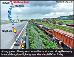 Kolhapur: 30,000 heavy vehicles queue up as NH4 shut for fourth day, rivers recede slowly