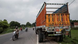 Truck driver pays whopping Rs 1.41 lakh fine for flouting traffic rules