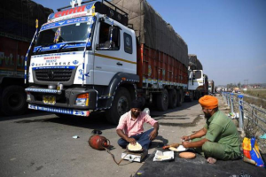 Truck drivers to get healthcare services under Ayushman Bharat