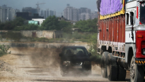 25,000 diesel-run commercial vehicles aged 10+ still ply In Kolkata